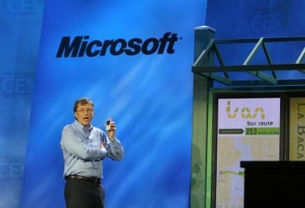 Gates i przyszłość przystanków autobusowych - nasza komórka wie, na jaki autobus czekamy /AFP