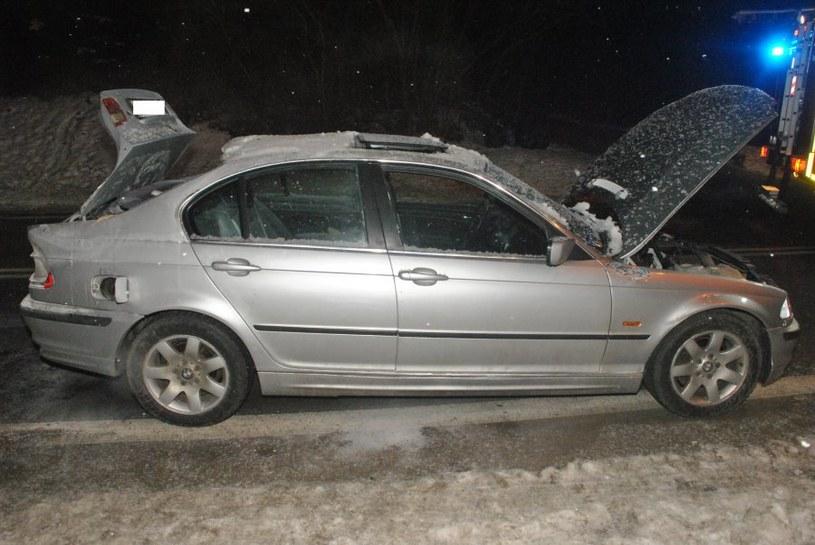 Gaz błyskawicznie się wypalił, auto nie zostało bardzo zniszczone, ale ludzie poparzeni /Policja