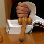 """""""Gazeta Wyborcza"""": Sprawiedliwość na podsłuchu. Nowe przepisy uderzą w sędziów i prokuratorów?"""