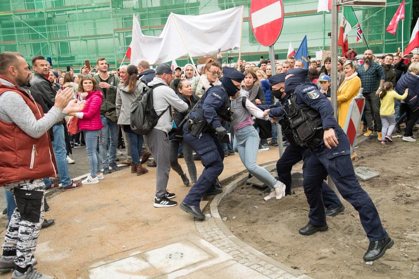 """Gdańsk: Antycovidowy """"Marsz o Wolność"""" /Wojciech Strozyk/ /Reporter"""