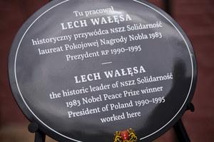 Gdańsk: Tablica ku pamięci Lecha Wałęsy. Były prezydent nie przyszedł na odsłonięcie