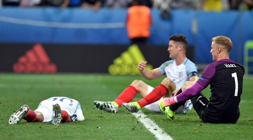 Gdy angielscy piłkarze przeżywali gorycz porażki, Walijczycy szaleli z radości /PAP/EPA