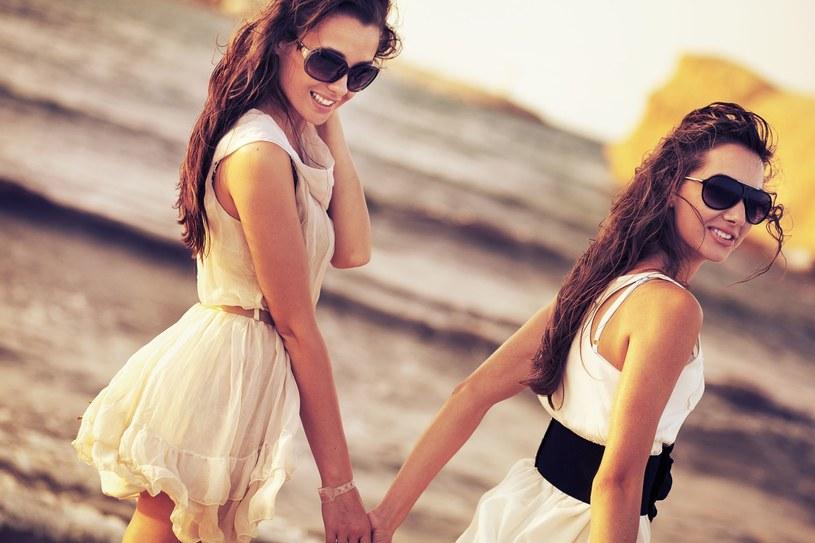 Gdy coś uwiera cię w środku, umów się na szczerą rozmowę z przyjaciółką /123RF/PICSEL