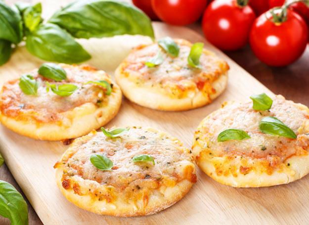 Gdy goście cię zaskoczą, zrób pizzerinki /Picsel /123RF/PICSEL
