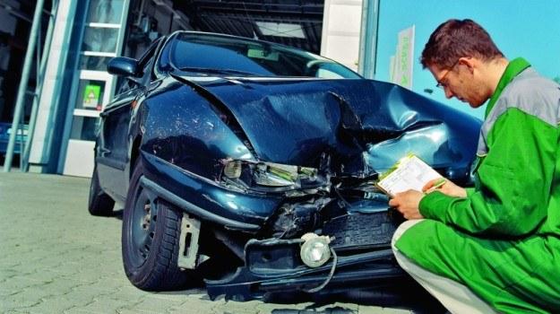 Gdy koszty naprawy auta wynoszą 70% jego wartości, szkoda może być uznana za całkowitą. /Motor