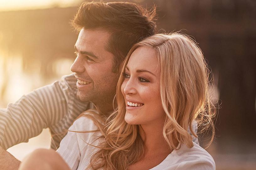 Gdy mężczyźni słyszeli, że ich partnerka odniosła spektakularny sukces w teście zdolności, ich poczucie wartości spadało /123RF/PICSEL