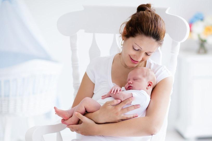 Gdy na świecie pojawia się dziecko, dotychczasowe życie wymaga wielu zmian i rozpoczyna się nowy, nieznany dotąd etap /123RF/PICSEL