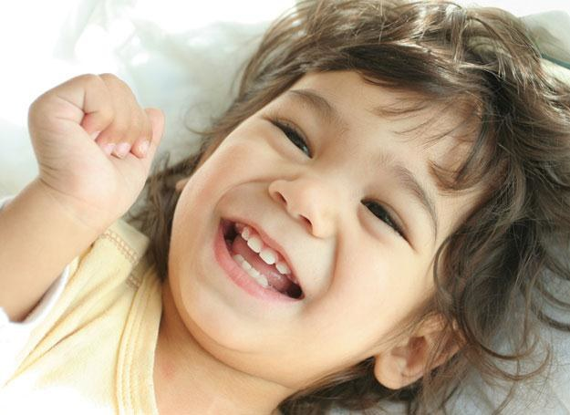 Gdy pociecha ma zaburzenia w rozwoju mowy, wczesne rozpoczęcie terapii może się okazać kluczowe /© Panthermedia