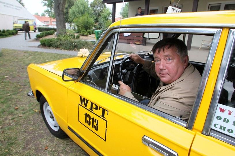 Gdy w 2012 roku pan Mieczysław Hryniewicz wsiadł do taksówki, popłakał się ze wzruszenia /East News