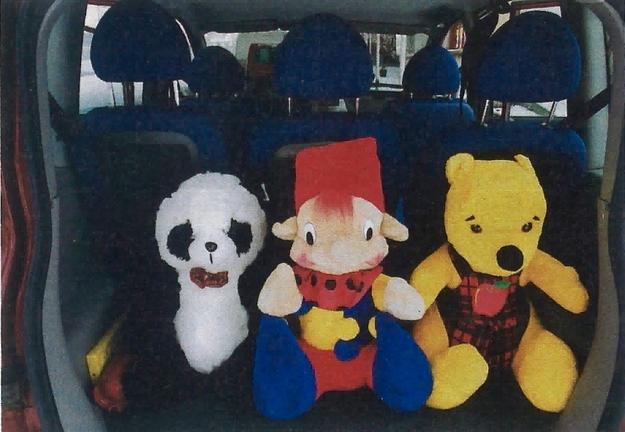 Gdy we wnętrzu usiądzie sześciu pasażerów, do bagażnika zmieści się jeszcze trzech na gapę… /Motor