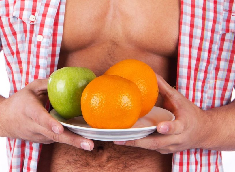 Gdy wprowadzamy dietę, przeważnie patrzymy na kalorie. A to duży błąd! /123RF/PICSEL