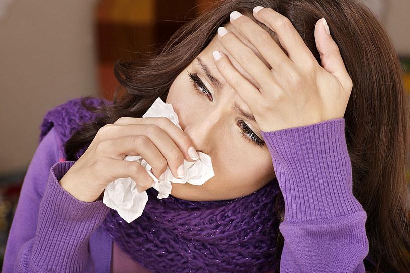 Gdy zauważysz pierwsze symptomy choroby koniecznie skonsultuj się z lekarzem /123RF/PICSEL