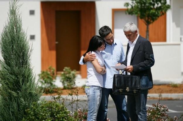 Gdyby kredytobiorca chciał zmienić mieszkanie, jest w kropce /© Panthermedia