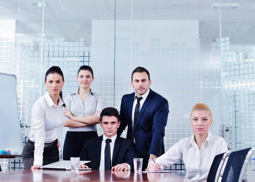 Gdzie lepiej - w firmie prywatnej, czy państwowej? /123RF/PICSEL