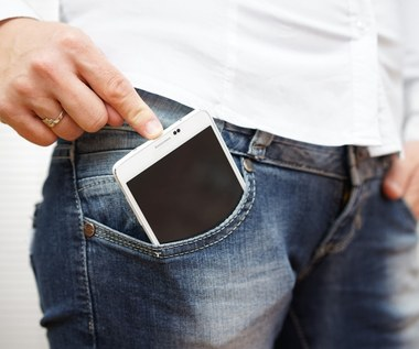 Gdzie nie powinniśmy trzymać telefonu?