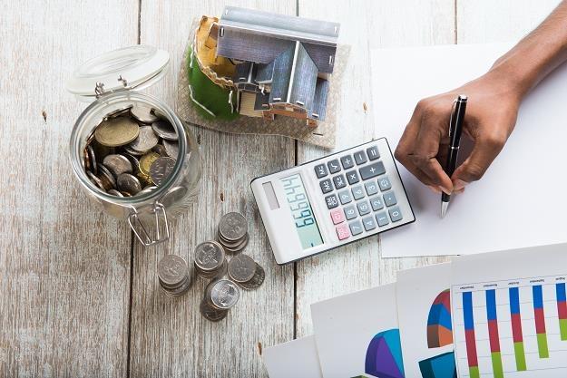 Gdzie po najlepszy kredyt na zakup działki i budowę domu? /©123RF/PICSEL