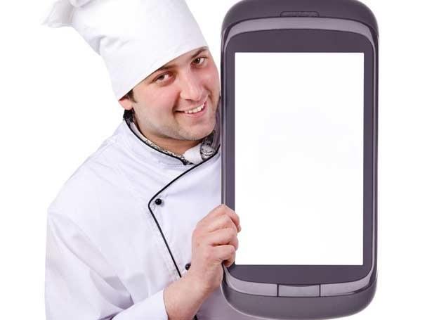 Gdzie smartfonów sześć, tam nie ma co jeść /123RF/PICSEL