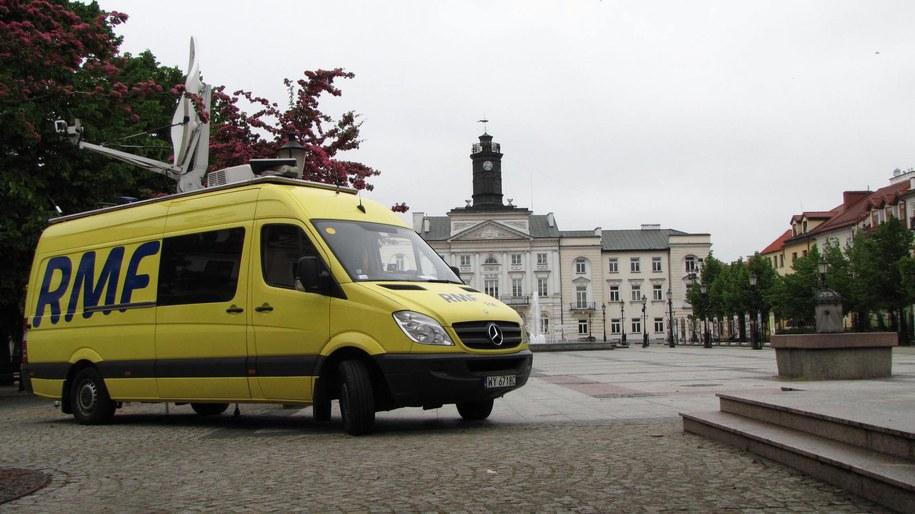 Gdzie w najbliższą sobotę zaparkuje wóz satelitarny RMF FM? /RMF FM