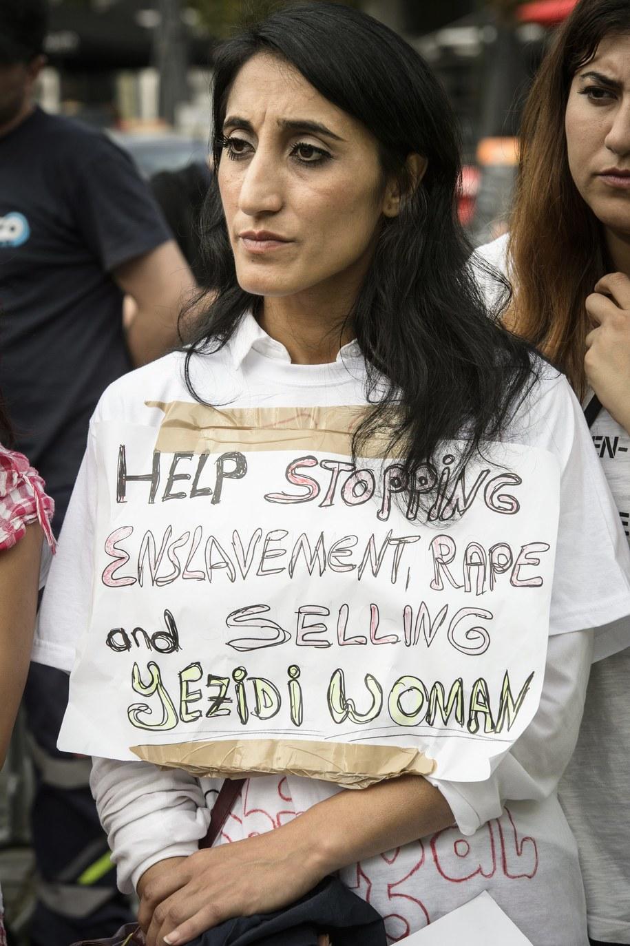 Gehenna ta dotyka setek jazydzkich kobiet /Wiktor Dąbkowski   /PAP/EPA