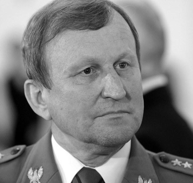 Gen. broni Bronisław Kwiatkowski /Bartosz Krupa /East News