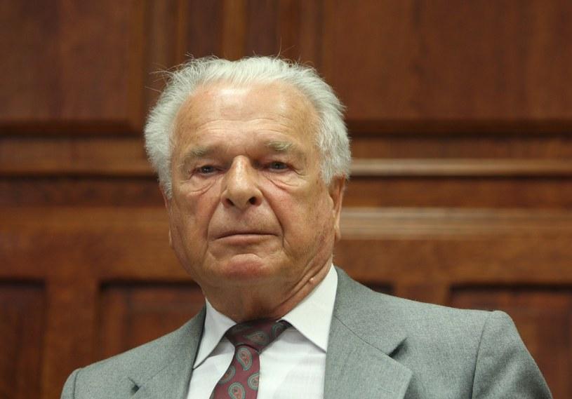 Gen. Czesław Kiszczak, zdj. archiwalne /STANISLAW KOWALCZUK /East News