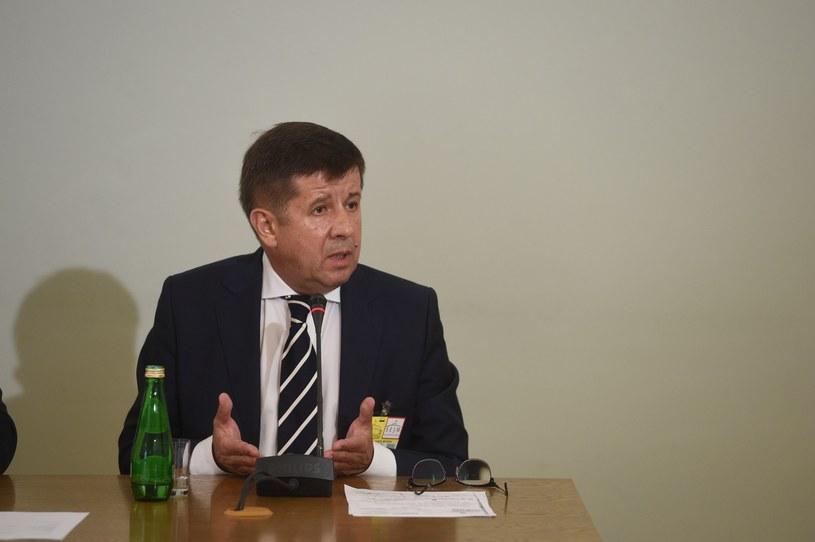 Gen. Marian Janicki zeznaje przed komisją śledczą /Jacek Dominski/ /Reporter