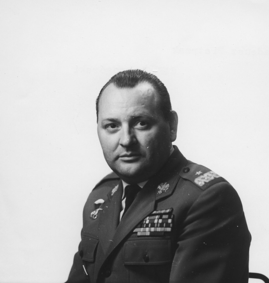 Gen. Tadeusz Pietrzak /Stanisław Czarnogórski    /PAP