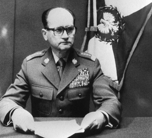 Gen. Wojciech Jaruzelski ogłasza wprowadzenie stanu wojennego /AFP