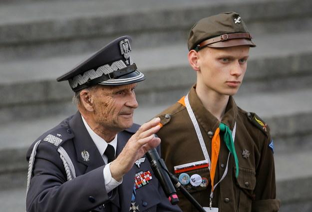 Gen. Zbigniew Ścibor-Rylski (z lewej) /Paweł Supernak /PAP