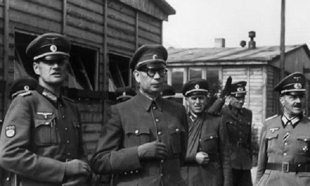 Generał Andriej Własow (w środku) jako kolaborant Niemców /Bundesarchiv /INTERIA.PL/materiały prasowe