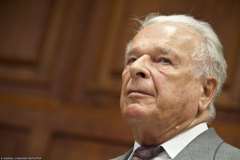 Generał Czesław Kiszczak na sali sądowej, 2011 rok /Andrzej Stawiński/Reporter /East News