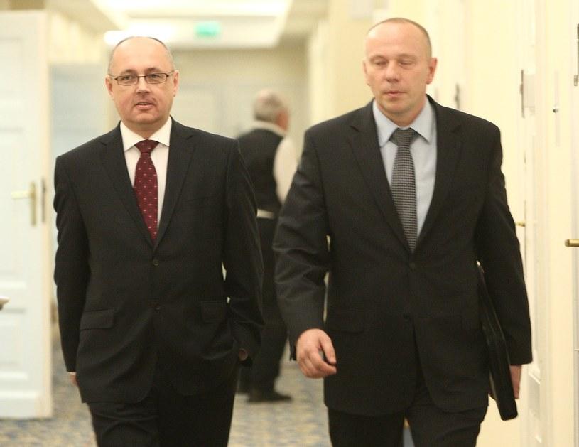 Generał Janusz Nosek (na zdjęciu z lewej) /Stanisław Kowalczuk /East News