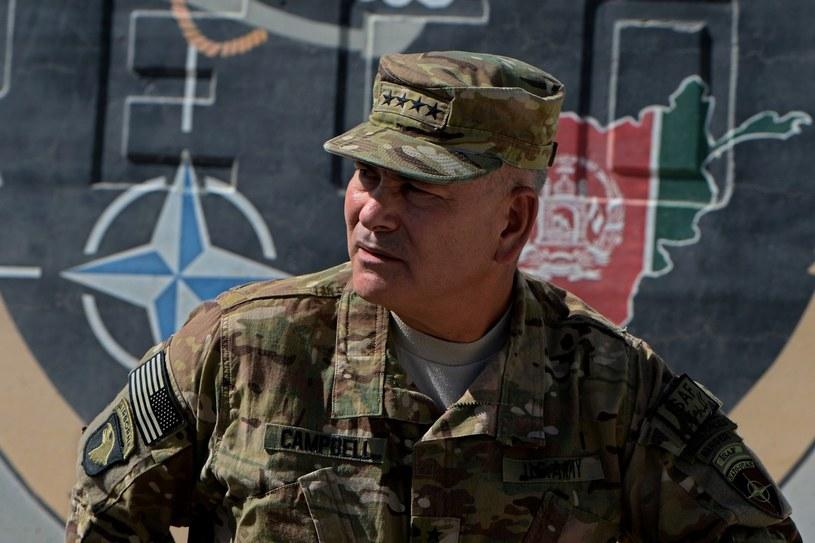 Generał John Campbell /AFP
