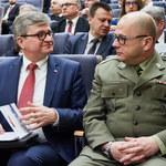 Generał Kraszewski okazją ministra Kamińskiego
