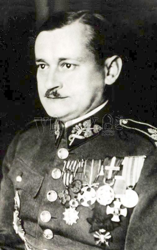 Generał Lev Prchala, zdjęcie z okresu przed 1938 rokiem /Odkrywca