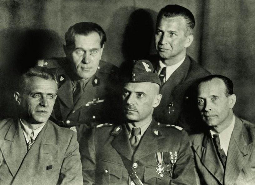 Generał Michał Karaszewicz-Tokarzewski (pierwszy z lewej), pomysłodawca /Narodowe Archiwum Cyfrowe /materiały prasowe