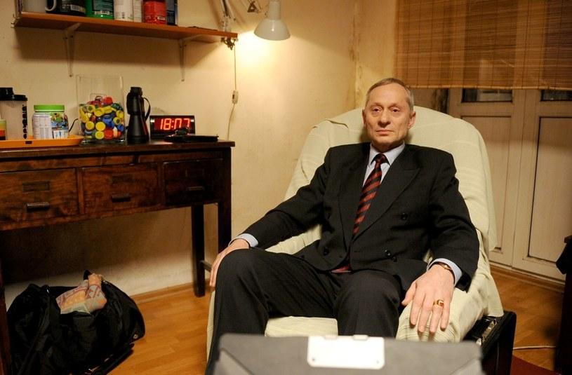 Generał Romuald Światło: Były szef WSI (Wojciech Machnicki). Jego uśmiechnięta i sympatyczna twarz to maska, pod którą skrywa się natura samego diabła Mefistofelesa. /Agencja W. Impact