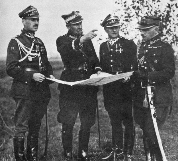 Generał Tadeusz Rozwadowski (drugi z lewej) w czasie manewrów na początku lat 20. /East News