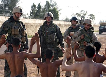"""""""Generation Kill"""" - obrazki z Iraku, których ameryakński rząd wolałby nie pokazywać /materiały programowe"""