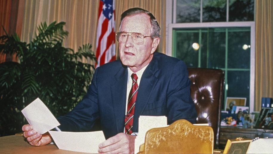 George Bush, zdj. z 1989 roku /Sachs Ron/CNP/ABACA /PAP
