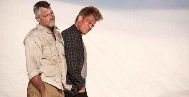 """George Clooney i Ewan McGregor w """"Człowieku, który gapił się na kozy"""" /materiały prasowe"""