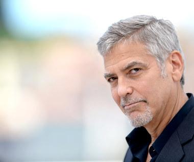 George Clooney od lat nie chodzi do fryzjera