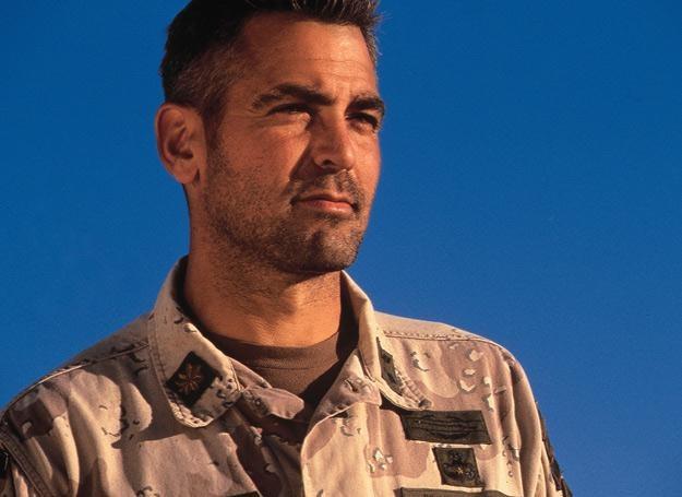 """George Clooney w filmie """"Złoto pustyni"""""""