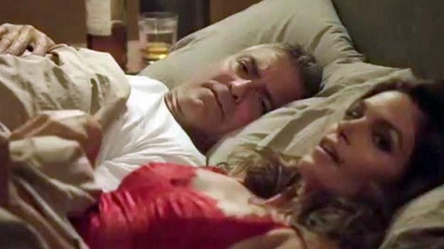 George Clooney w łóżku z Cindy Crawford /THUNDERNEWS /East News