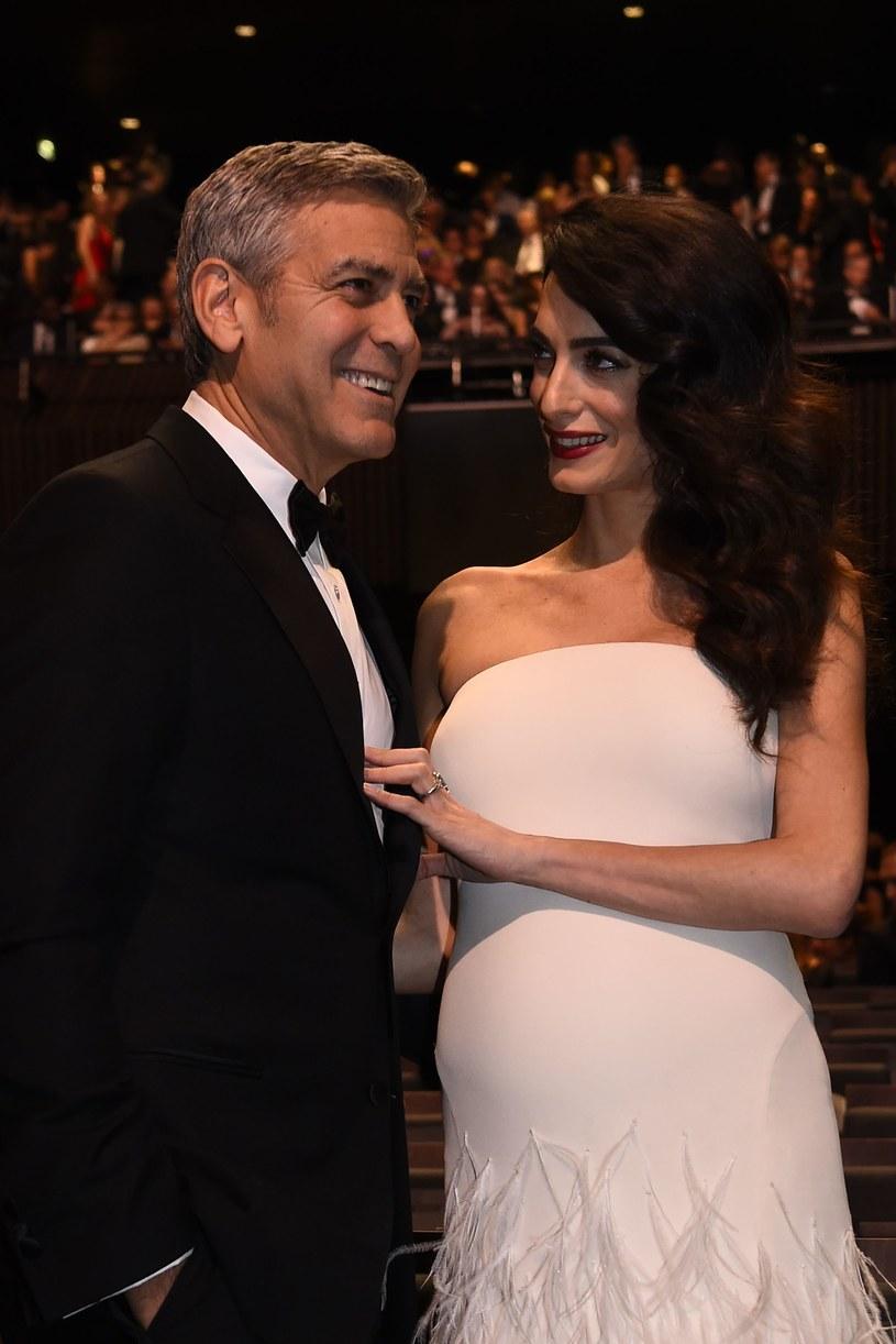George Clooney z żoną Amal na gali Cezarów /AFP