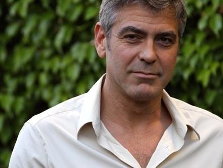 George Clooney zabójcą? Tylko z przymrużeniem oka /Splashnews