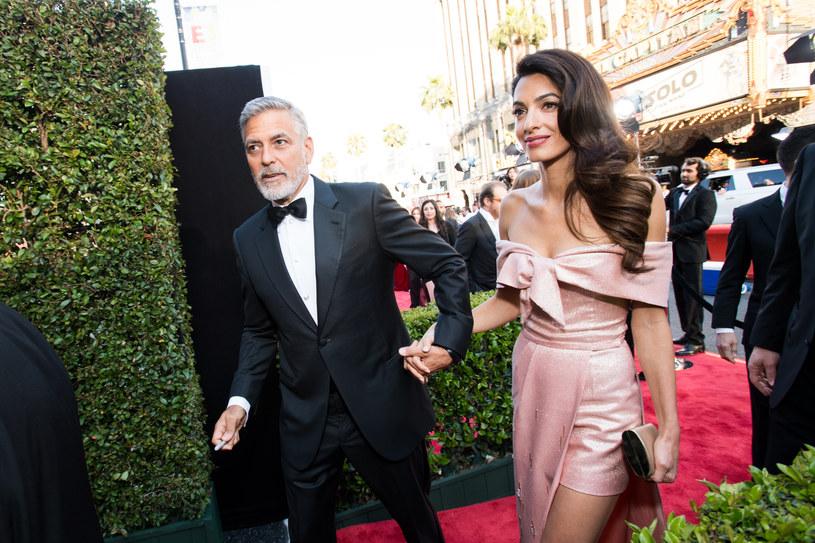 George i Amal Clooneyowie /Emma McIntyre /Getty Images
