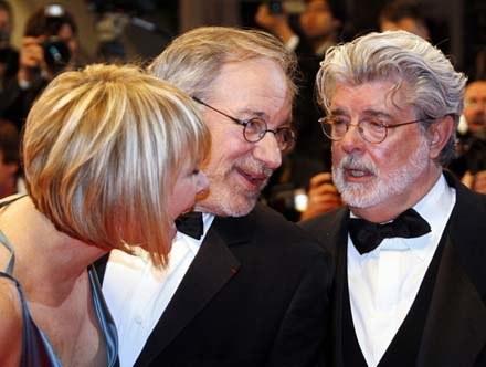 """George Lucas jeszcze nie rozmawiał ze Stevenem Spielbergiem o piątym """"Indianie Jonesie"""" /AFP"""