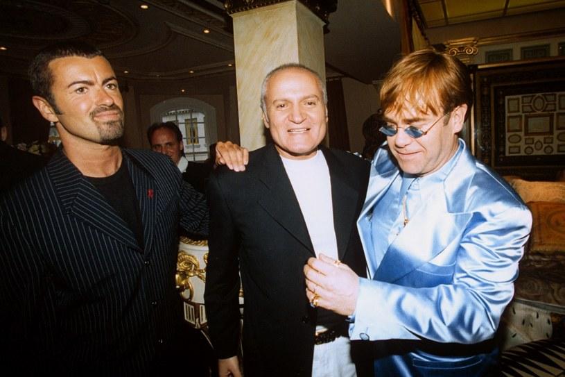 """George Michael, Gianni Versace i Elton John. Gwiazdy uwielbiały towarzystwo """"dyktatora"""" /East News"""