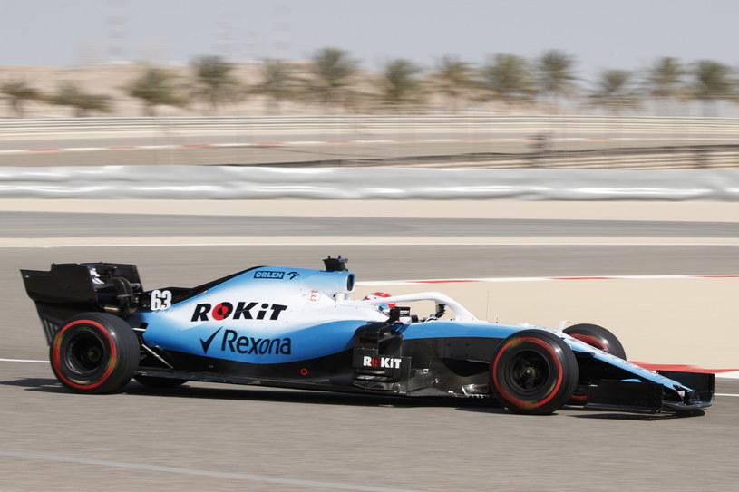 George Russell podczas wyścigu o GP Bahrajnu /PAP/EPA
